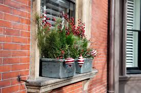 Outside Window Decorations For Christmas by Lovely Holiday Windowsill Outside Window Christmas Decorating