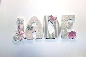 lettre chambre bébé lettres en bois de 7 5 cm de hauteur et 6 mm d épaisseur