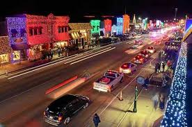 holiday lights are back on in downtown mt pleasant