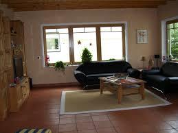 Wohnzimmer Einrichten Rot Wohnzimmer Rot Braun Nonchalant Auf Moderne Deko Ideen Mit Braunes 11