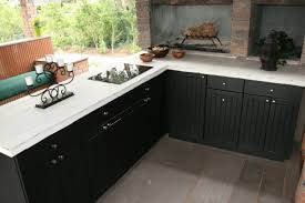 the advantages of weatherproof outdoor kitchen cabinets lanai