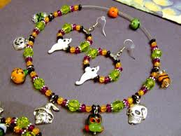Halloween Jewelry Crafts - 104 best halloween crafts jewelry images on pinterest charm