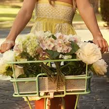 how to save money on wedding flowers five ways to save on wedding flowers thebridebox