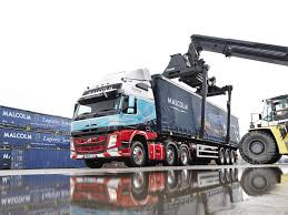 2014 volvo truck tractor volvo trucks deliver first euro 6 trucks