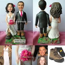 customized wedding gift how to decorate a wedding cake custom wedding anniversary cakes