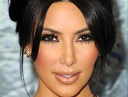 how to get kim kardashian 39 s eye makeup look if you have sensitive eyes avoid