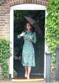 kensington palace william and kate kate middleton visits princess diana u0027s memory garden