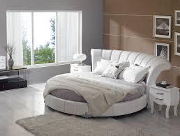 chambre avec lit rond lit moderne rond sellingstg com