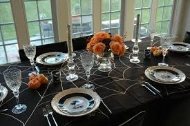 10 halloween decorated table settings mythirtyspot