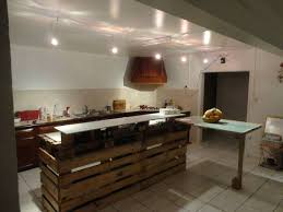 meuble de cuisine en palette une série de 149 créations à faire à partir de palettes