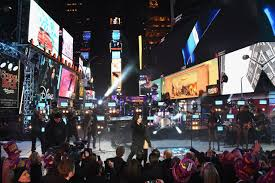 demi lovato performing in times square ny new year u0027s rockin u0027 eve
