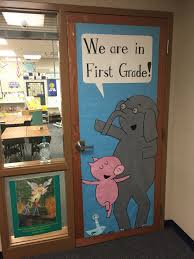 thanksgiving classroom door decorations elephant and piggie by mo willems classroom door decoration my