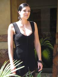 adrianne curry images curry in black mini dress universal studios hollywood