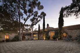 ellen degeneres home decor ellen degeneres u0027 fabulous santa barbara estate on the market for
