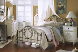 country bedroom decorating ideas 11 bedroom decorating ideas country chic come decorare la