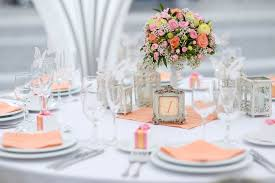 simple wedding table decorations ideas with white tablecloth and