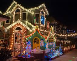 newport local news homes light up for the holidays newport local