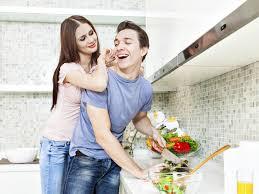 amour dans la cuisine cuisiner ou faire l amour les français ont fait leur choix grazia