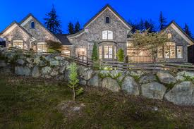 peaceful modern luxury in the woods british columbia luxury
