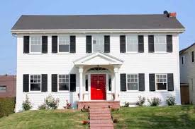 what is a colonial house how to distinguish different styles of homes realistic realty