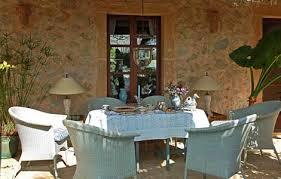 mediterraner stil terrasse mit korbmöbeln wohnen u0026 garten