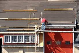 Shingling A Hip Roof Proper Steps To Shingle A House Roof Home Guides Sf Gate