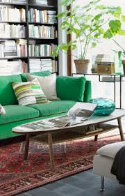 ikea salon canape canapé stockholm vert dans un salon qui rappelle la nature ikea