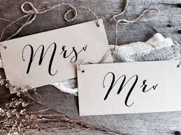Mr And Mrs Sign For Wedding The 25 Best Mr Mrs Sign Ideas On Pinterest Burlap Wedding