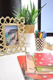 Organized Desk Ideas Iheart Organizing Uheart Organizing A Delightfully Organized Desk