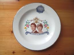 wedding plate vintage 1981 royal wedding charles diana commemorative plate