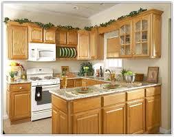 kitchen ideas oak cabinets oak kitchen ideas playmaxlgc