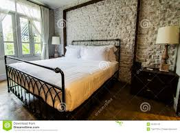 chambre anglaise grande chambre à coucher de style anglais de cagne photo stock