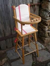 chaise haute poup e chaise haute ancienne en bois pour poupée vendue voir les autres