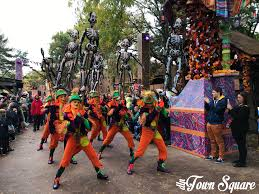 disneyland paris halloween 2017 review dlp town square