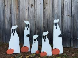 Halloween Lawn Ornaments 31 Halloween Yard Decor Primitive Wood Ghost With Bat
