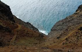 Narrow Picture Ledge The Kalalau Trail Local U0027s Guide To Epic Kauai Hikes