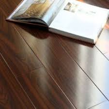 how to select and purchase the right laminate flooring for your