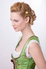 Hochsteckfrisurenen Dirndl by Geflochtenes Haar Geflochtene Haare Geflochtene Hochsteckfrisur