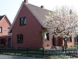Eigenheim Gesucht Schnuckeliges Einfamilienhaus Mit Garage