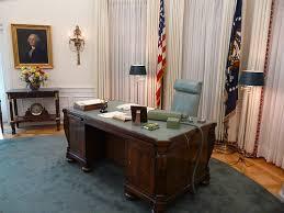 Presidential Desks Link Of The Week Wikipedia U0027s List Of Oval Office Desks Tom U0027s