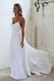 white wedding gowns best 25 boho wedding dress ideas on bohemian wedding