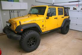 yellow jeep 4 door show your wheels specially 35