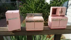 dolls house kitchen furniture vintage metal dollhouse appliances pink metal dollhouse furniture