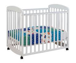 Baby Mini Cribs Alpha Mini Rocking Baby Crib In White M0598w