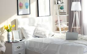how to create a calm clutter free bedroom