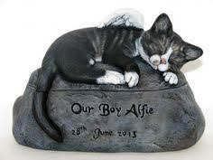 cat cremation angelic cat urn white moo cats infos and products