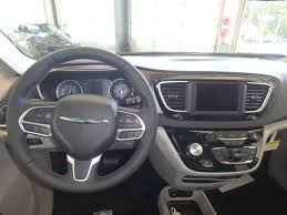 chrysler steering wheel 2018 new chrysler pacifica touring l fwd at bill deluca auto group