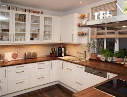 kche wei mit holzarbeitsplatte weiße küche dunkle arbeitsplatte wandfarbe suche