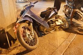 xe lexus chay bang dien lexus 570 đâm nát nhiều xe máy 5 người trọng thương zing