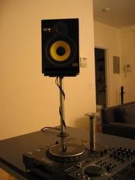 How To Build A Home Studio Desk by How To Create A Professional Dj Booth From Ikea Parts Dj Techtools